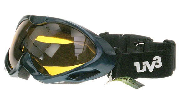Yellow lens ski goggles